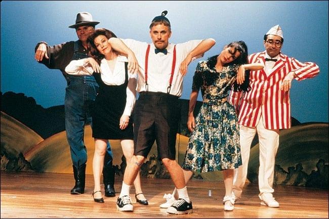 Community Theatre: theatre the theatre community disdains?