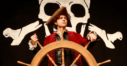 THE PIRATES OF PENZANCE is a visual feast