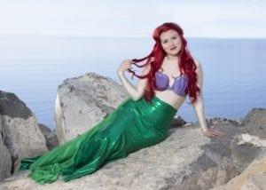 Hannah Bayles as Ariel.