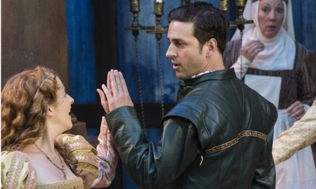 """SHAKESPEARE IN LOVE is """"a very palpable hit"""""""